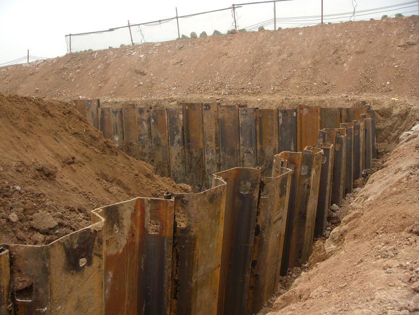 Damwanden behoudt bodem met in elkaar grijpende randen